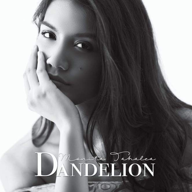 Dandelion, bunga liar berwarna putih seperti gumpalan kapas yang hidup berkoloni. Jika tertiup angin, benihnya yang kecil dan ringan akan…