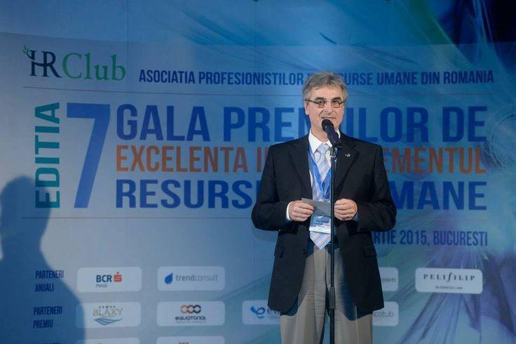 Offering the award for the most valuable development program in 2015.  #HRclub #EvolutivConsultants