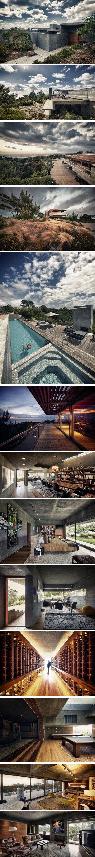 Hallucinante maison de plage en Californie Voici un projet aussi démesuré que beau, signé par l'architecte Alberto Kalach basé à Los Angeles. Cette résiden