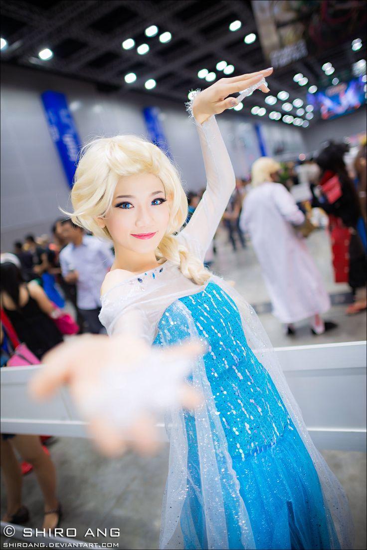 Elsa, Frozen | Comic Fiesta 2013 by shiroang.deviantart.com #cosplay