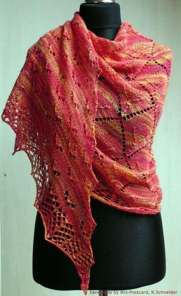 halbrundes Tuch / Schulter-Tuch / Stola mit tollem und einzigartigem Lace-Muster in tollen Farben    Tuch KEIRA  ein richtiger Hingucker!     Desig...