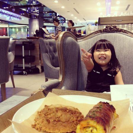 paris baguette singapore | SPC Group better watch out as its leading bakery brands Paris Baguette and Paris Croissant are about to face some stiff ...