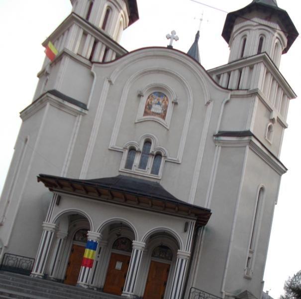 Catedrala Vatra Dornei - Destinatii turistice Romania - Femeia Stie.ro