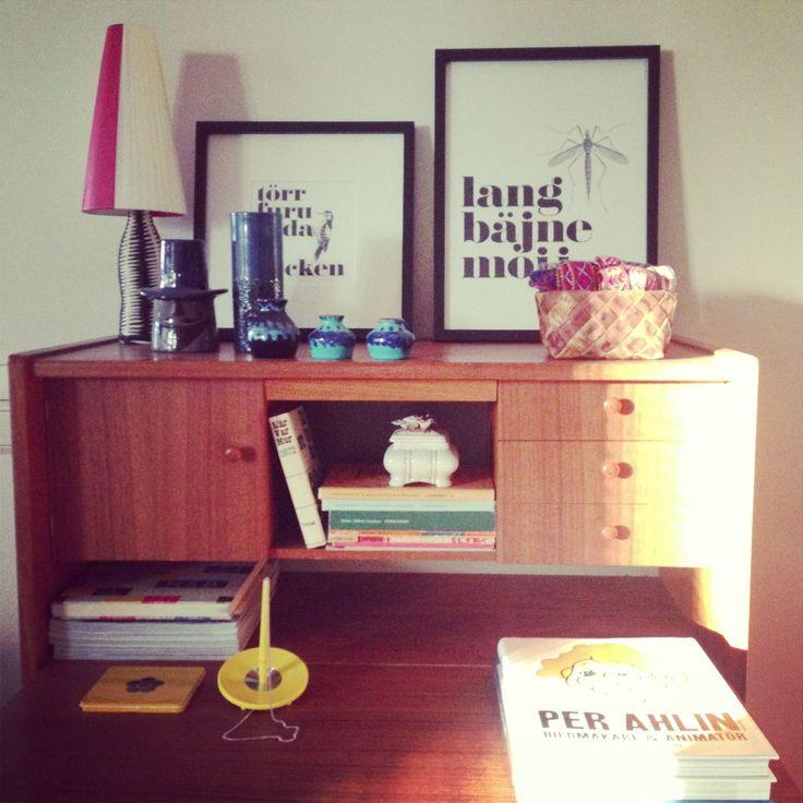 In my livingroom. #retro #retrofurniture #pijtmåle #prints #myhomemycastle #fraufurtenbach