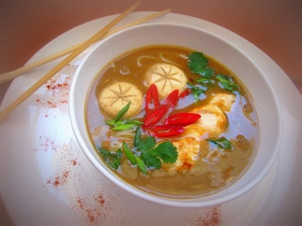 Мисо суп скурицей, грибами ирисовой лапшой http://amp.gs/TGGs  #суп #обед #foodclub #рецепт