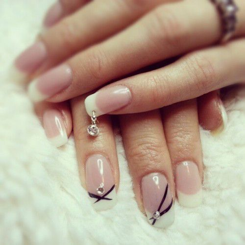 Nail-piercing-with-pendant