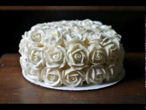 How to make buttercream roses, complete with a video tutorial! She makes it look so easy!