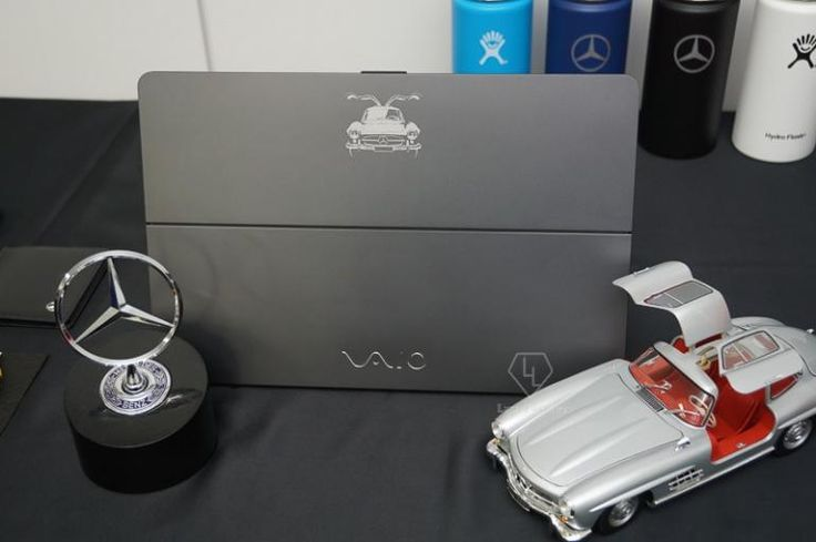 #HardwarePcJenny Blog & News - #Mercedes-Benz lancia il proprio laptop #Windows10  Dopo #Porsche, anche #MercedesBenz si lancia nel campo dei dispositivi Windows 10 con un proprio laptop – o meglio una versione speciale del #Vaio Z Flip.  Link articolo: http://hardwarepcjenny.com/network/blog-news/mercedes-benz-lancia-il-proprio-laptop-windows-10/