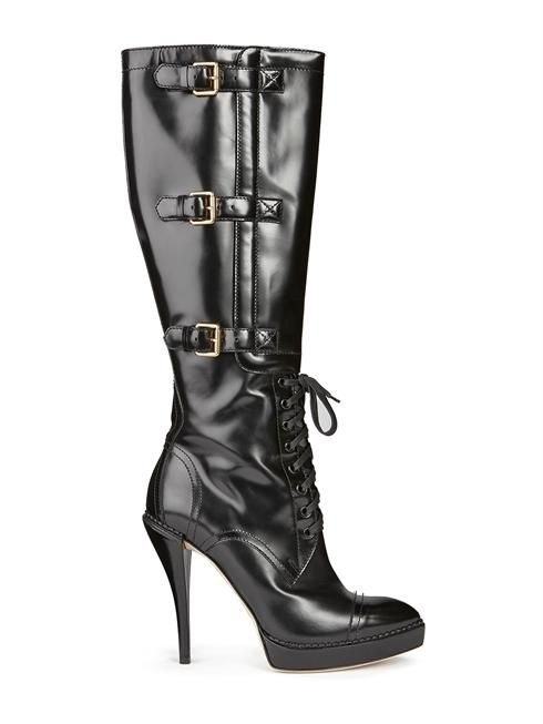 I love these stylish Gucci boots ...