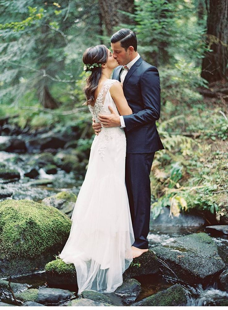 Magical beach wedding at Lake Idaho, photo: Rebecca Hollis | www.hochzeitsguide.com
