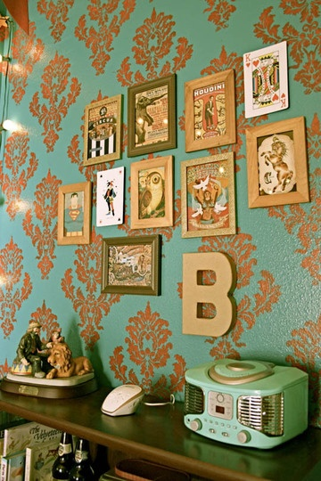 Love the retro radio and the use of eclectic artwork in non-matching frames.