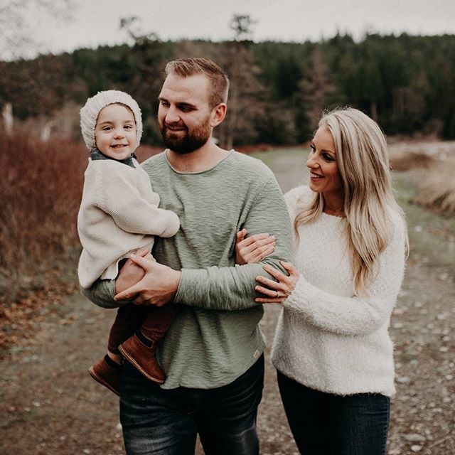 The Hamilton family's style 👌😍 #lauraolsonphotography  Vancouver BC Family Photographer - Sunshine Coast BC Photographer - Laura Olson Photography   www.lauraolsonphoto.com
