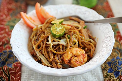Mie Goreng (Indonesian Fried Noodles) - chicken, shrimp, cabbage, egg ...