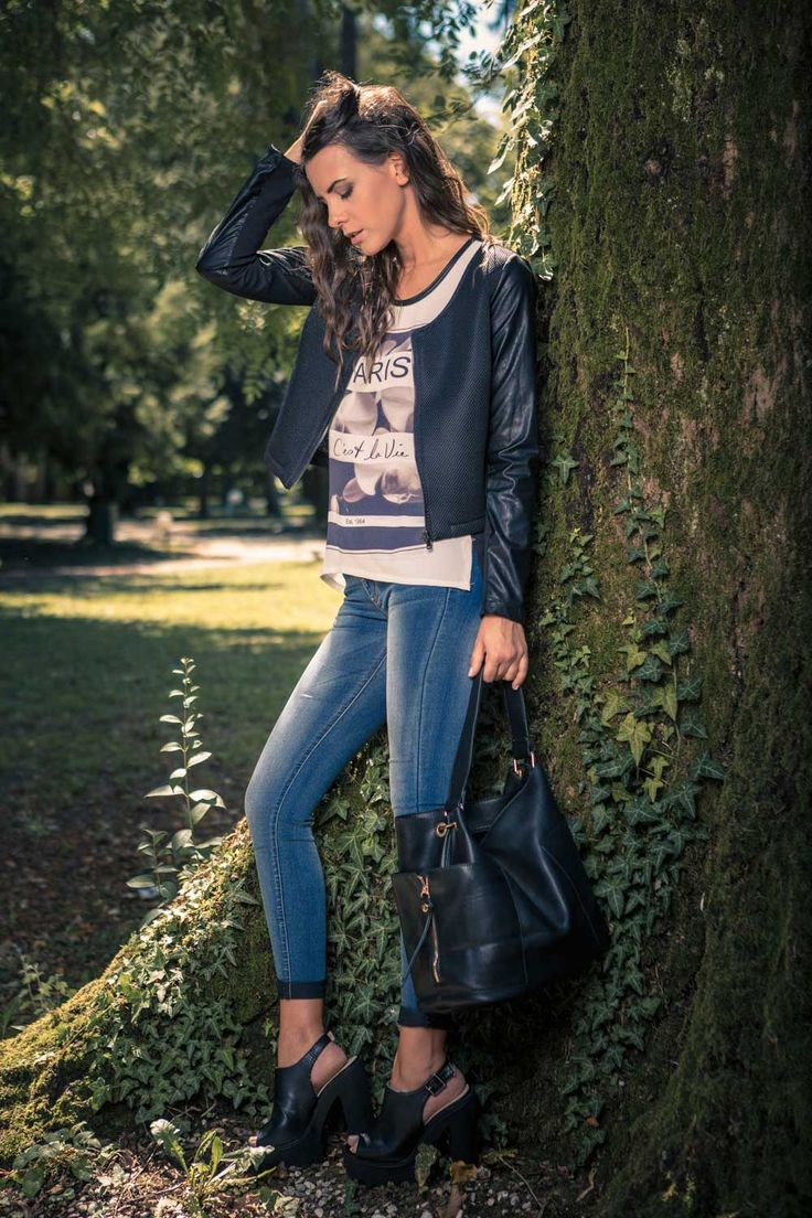 Pinokkio | FALL 2015 | Chiodo ecopelle con inserti in neoprene, jeggins, top paris, shopping bag ecopelle nera