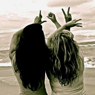 Bestfriend Beach Picture <3 We should do this when I come to Florida!