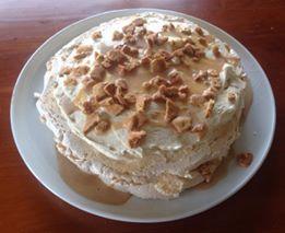 Ginger pavlova using millionaires caramel from www.kiwicakes.co.nz