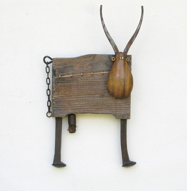 pina maku  RECYCLED WOOD AND METAL