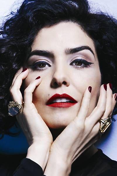 """Letícia Sabatella ganhou perfil escrito por Paulo Betti na edição de agosto da revista """"Lola"""""""