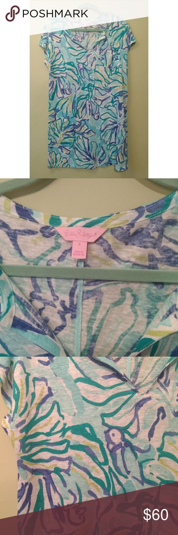 """Lilly Pulitzer Duval Linen Dress Pool Blue Dress S Excellent condition, comes as shown, worn once.   The Duval Dress is the ultimate t-shirt dress. This straight fit dress is perfect for hanging by the pool, beach, or just at home. Put on some gold flats, stash some lip gloss in the pocket and you are good to go! Printed Cap Sleeved T-Shirt Dress With Notch Neckline And Pocket Detail. 20"""" From Natural Waist To Hem. 100% Linen Knit- Printed (100% Linen). Hand Wash Cold. Imported. Style #…"""