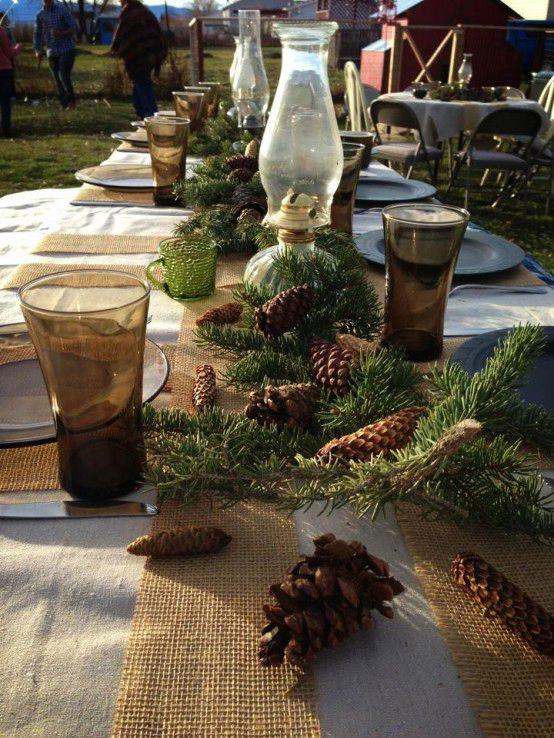 Decorazioni di Natale all'aperto | Tavola di Natale naturale