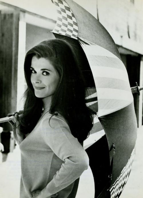 Young Jessica Walter (Lucille Bluth) = megababe.