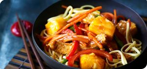 If you love Chinese food, this dish is perfect for you. The rich tangy sauce goes great with the noodles and delicious pork, all for only 1 Syn!