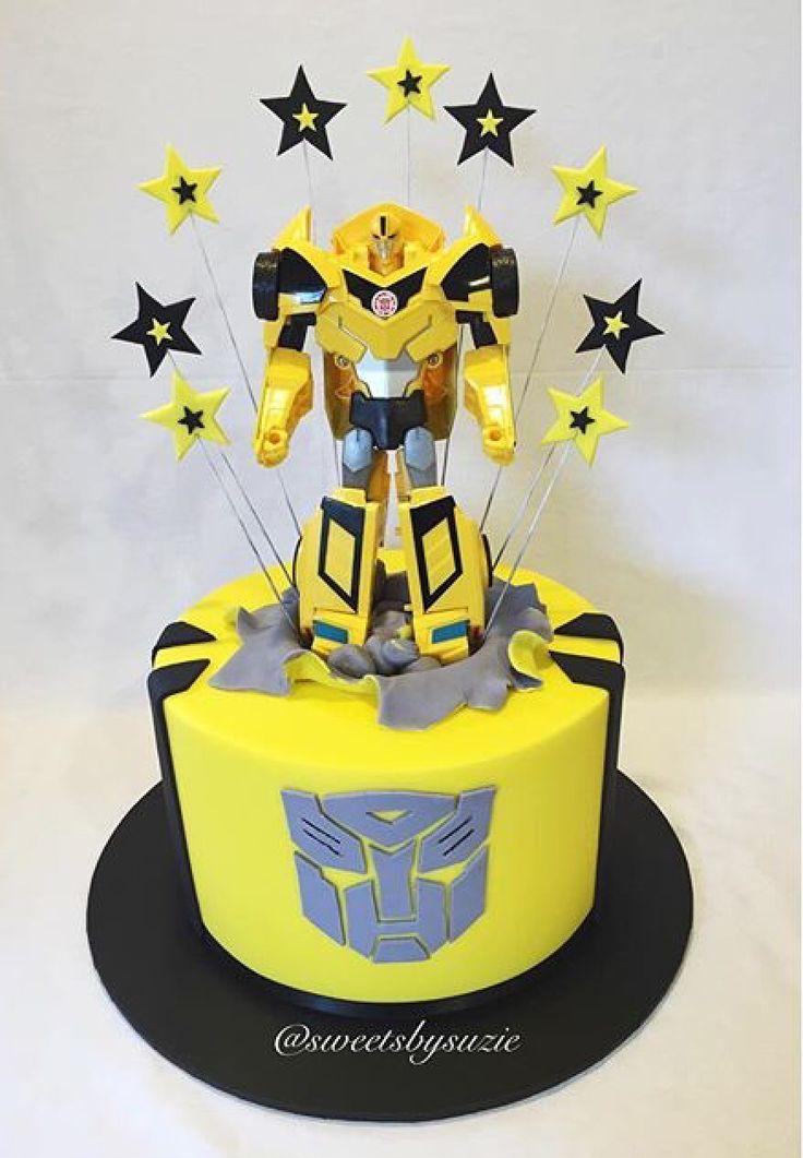 Bumblebee Transformer birthday cake made by Sweetsbysuzie