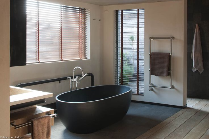 Stone bath #surfaces #bathrooms #designer #interiordesigner #interiordesigners #bespoke #homes #design #homedesign #stone #baths
