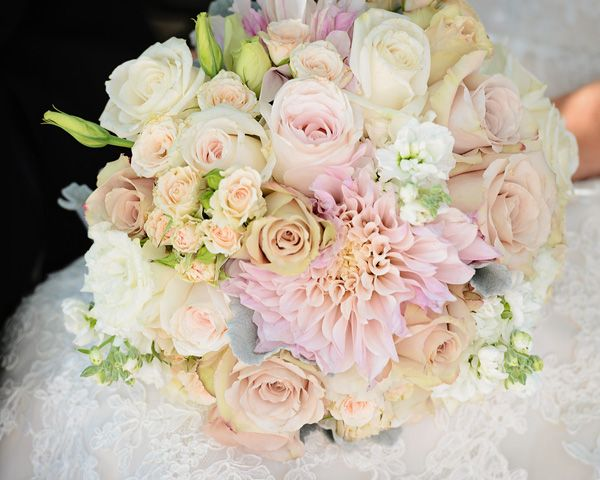 Dahlias, roses, stock, spray roses, lisanthus and dusty miller | Petal Pixie