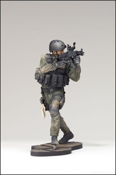 McFARLANE  S ACTION FIGURES NAVY SEAL BOARDING UNIT FORZE SPECIALI