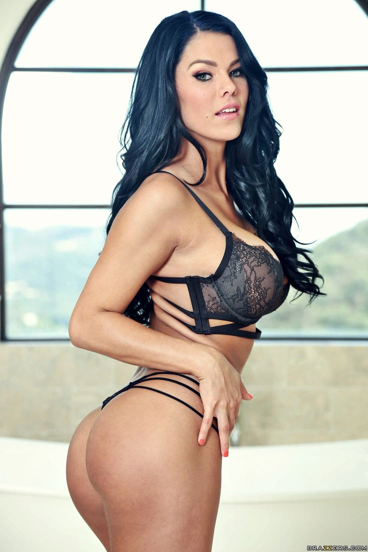 Peta Jensen Photo