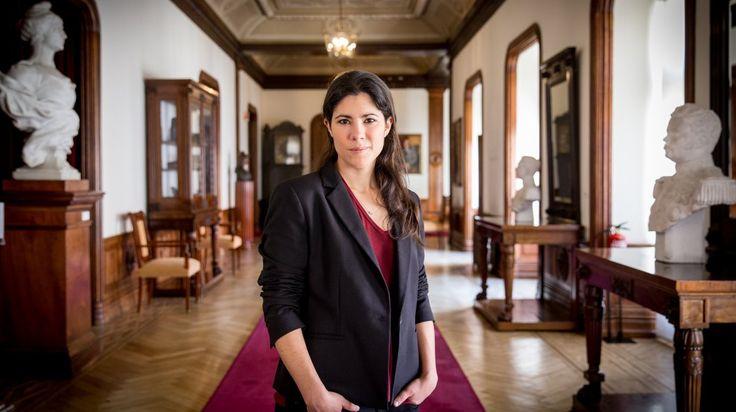 Mariana Mortágua economista e deputada portuguesa do partido político português Bloco de Esquerda.    Fotografia: Jorge Amaral / Global Imagens