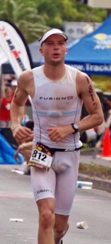 Bulges tight lycra white running