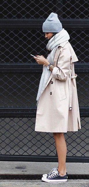 #fall #fashion / cream trench coat + gray scarf
