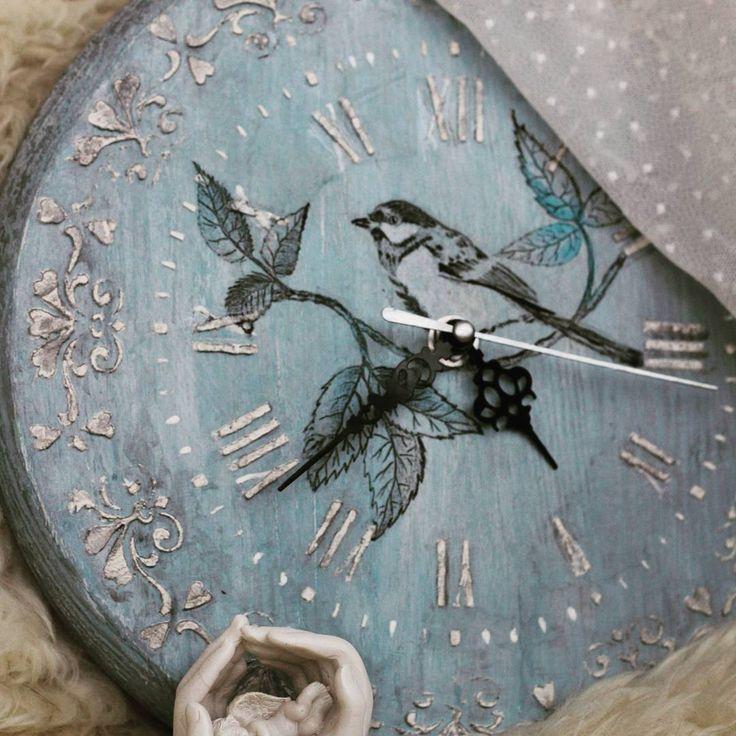 40 отметок «Нравится», 4 комментариев — Творческая мастерская (@workshop_stories) в Instagram: «Часы <Птица зимы> часть новогодней коллекции, не все птицы улетают на юг, самые стойкие и сильные…»