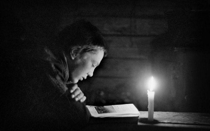 On reading Town of Rovaniemi, Finland 1948  © Werner Bischof #OnReading