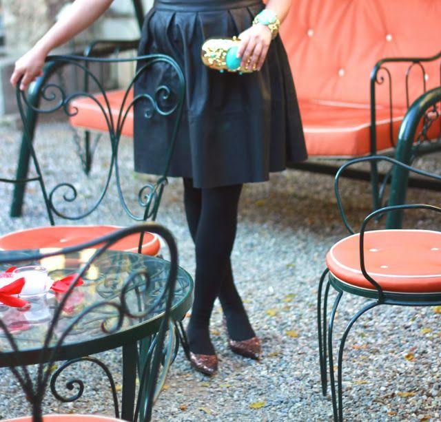 >>>http://www.themilanomode.com/2013/12/littleblackdress.html