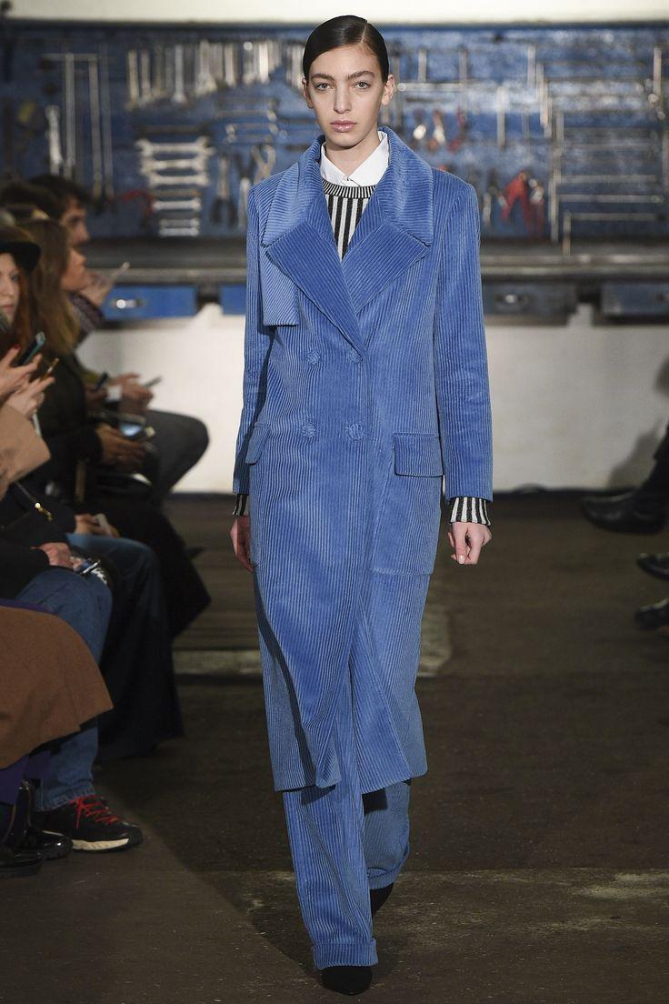 Arthur Arbesser Fall 2016 Ready-to-Wear Fashion Show