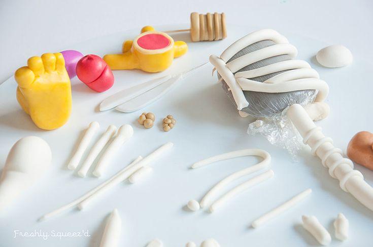 ralph-wiggum-cutout-cake-kylie-mangles-freshly-squeezd-5