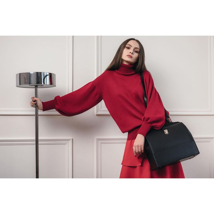 Джемпер из итальянской 100% шерсти и юбка с воланами доступны в нашем магазине и также на сайте ❤️ #janasegetti #fashion #style #design #inspiration