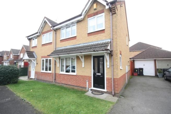 3 bedroom semi-detached house for sale - Heron Way, Coalville Full description           ***WELL PRESENTED THREE BEDROOM SEMI DETACHED HOUSE, LOUNGE, DINING ROOM, FITTED KITCHEN, GARDENS, DRIVEWAY & GARAGE*** Newton Fallowell has pleasure in bringing to market this well presented three bedroom semi detached house located within easy access to... #coalville #property https://coalville.mylocalproperties.co.uk/property/3-bedroom-semi-detached-house-for-sale-heron-way-coal