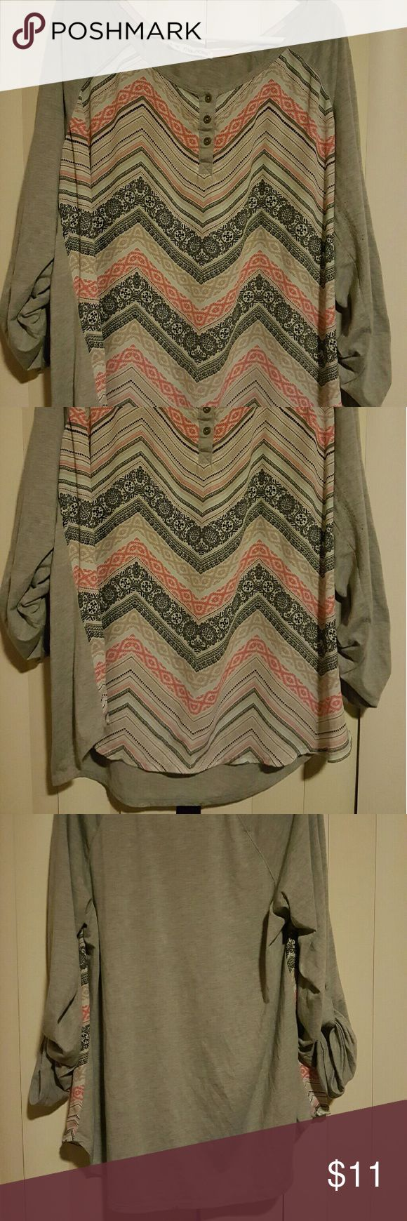 Maurices size 2 2XL 3XL chevron blouse A Maurice's size 2 is like a size 20-22. This top is in great condition. The sleeves can be worn as a 3/4 length or unbuttoned for full length. Maurices Tops Blouses