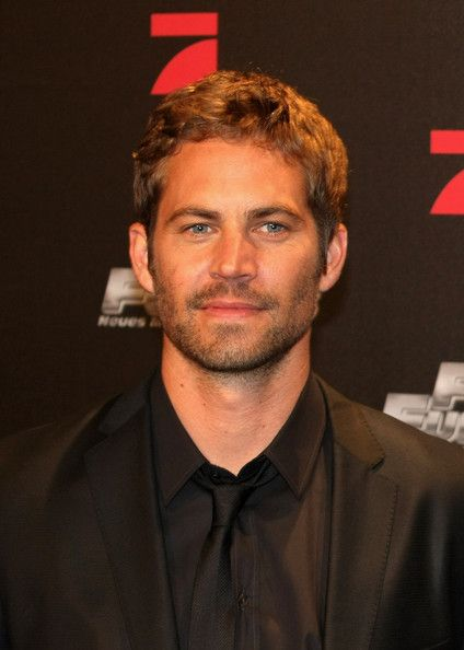 Paul Walker Photos Photos - Paul Walker arrives for the Europe premiere of Fast & Furious on March 17, 2009 in Bochum, Germany.  (Photo by Ralph Orlowski/Getty Images) * Local Caption * Paul Walker - Fast & Furious Europe Premiere