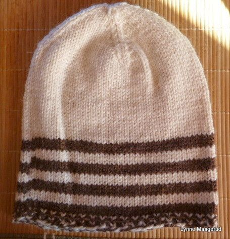 Handknitted hat in brown and white wool and alpacka by LynnesEbooks on Etsy