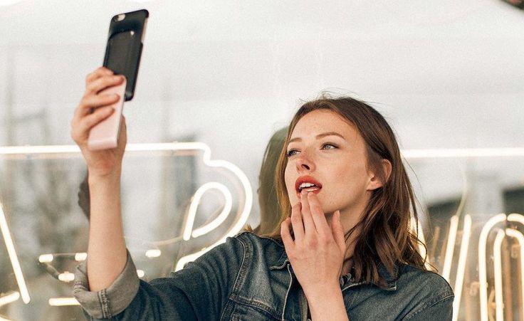 So cool: Diese Handyhülle enthält eine Schminkpalette