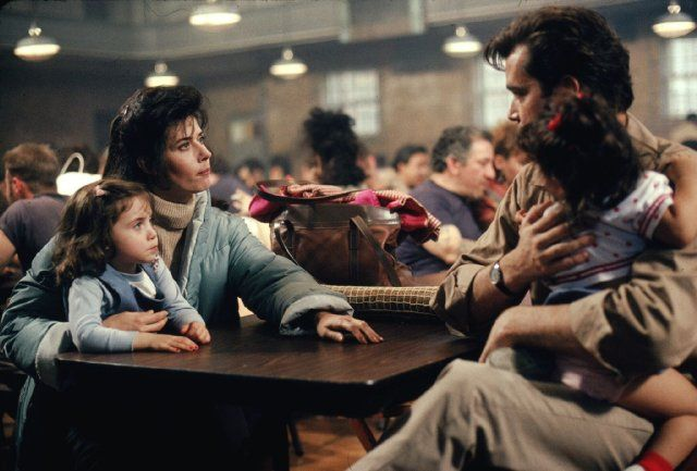 Ray Liotta and Lorraine Bracco in Goodfellas (1990)