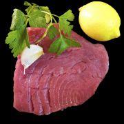 Avocado-tonijnsalade  Is nog beter als je de helft van de mayo vervangt door creme fraiche en citroen vervangt door limoen.