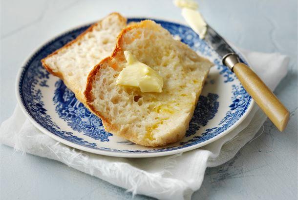 Gluteeniton vuokaleipä ✦ Gluteeniton leipä on helppoa valmistaa myös itse. Psyllium ja vähittäistavarakaupoissa myytävää jauhetta, joka lisää gluteenittomiin leivonnaisiin sitkoa ja parantaa näin leivonnaisen rakennetta. http://www.valio.fi/reseptit/gluteeniton-vuokaleipa/ #resepti #ruoka
