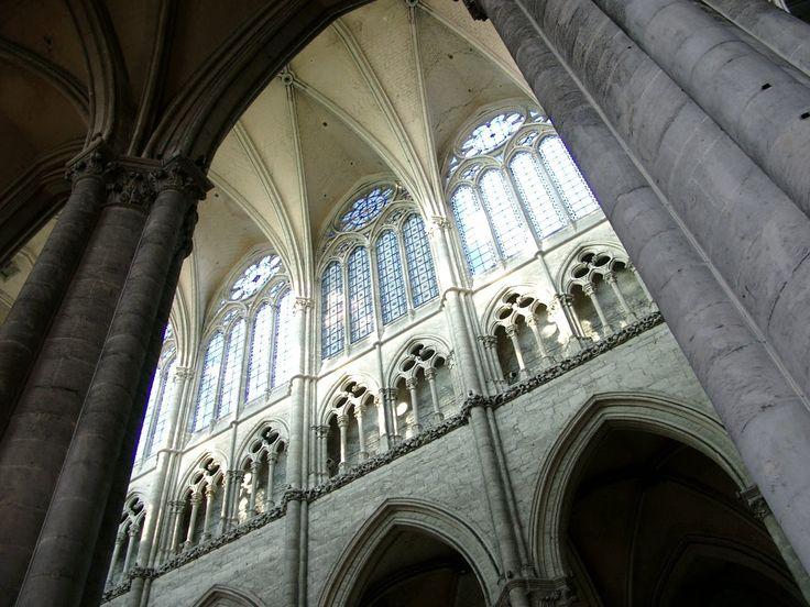 Амьенский собор. Начало строительства 1220 г.  Интерьер