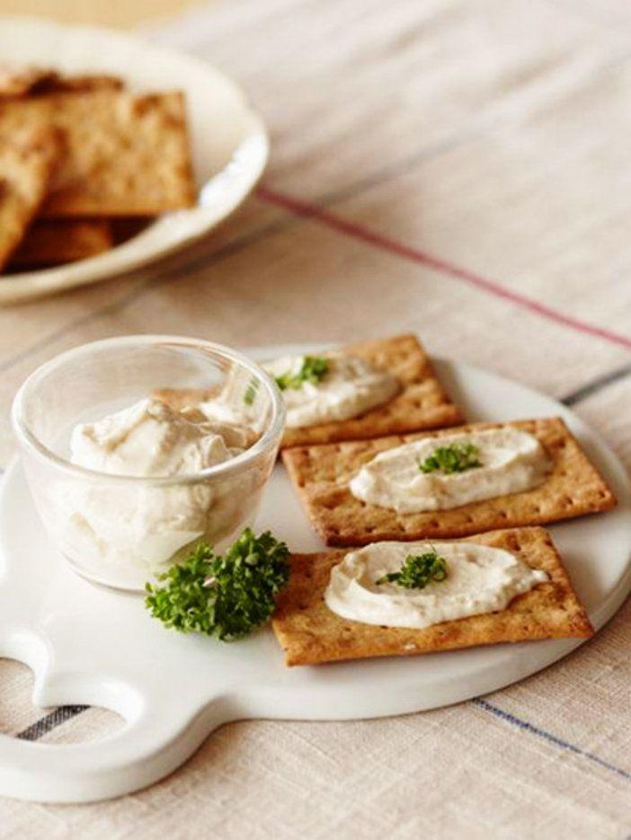 クリームチーズに酒粕のコクが合わさって、深みのある味わいに! 『ELLE a table』はおしゃれで簡単なレシピが満載!